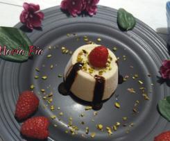 SEMIFREDDO ALLO YOGURT GRECO E CREMA AL PISTACCHIO ~ contest yogurt ~