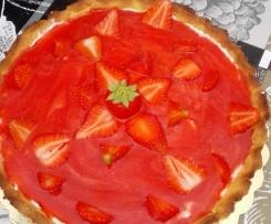 Crostata con crema di ricotta e coulis di fragole (con fruttosio)