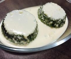 Flan di spinaci con salsa al formaggio