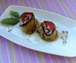 Rotolini di melanzane e peperoni ripieni