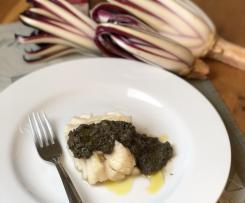 Merluzzo con salsa al radicchio e olive