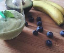 Frullato budinoso CONTEST di avocado e banana profumato al basilico