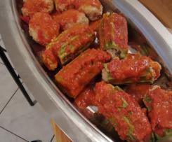 Zucchine e polpette al sugo
