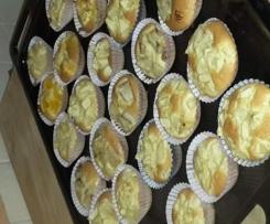 muffins alla frutta (mela, pera, banana, mandarino)