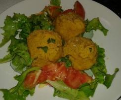 Crocchette appetitose di ceci e verdure con insalatina mista