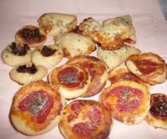 PIZZETTE E FAGOTTINI con pomodori secchi e acciughe