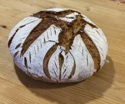Pane con licoli in pentola