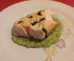Filetto di salmone con crema di broccoli