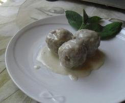 Gnocconi di pane(reciclone) con speak e salsa al formaggio