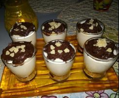 Bicchierini di biscotti, mascarpone e cioccolato