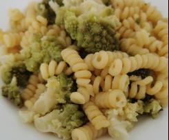 Pasta Bimby con broccoli romani e formaggio