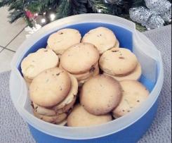 Biscotti con gocce di cioccolato friabilissimi e senza glutine