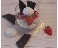 Mousse allo yogurt stracciatella con fragole & meringhe -contest mousse e dessert allo yogurt-
