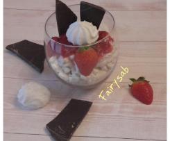 Mousse allo yogurt stracciatella con fragole & meringhe -contest mousse e dessert allo yogurt-