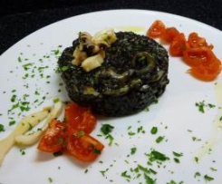 Risotto al nero di seppia con pomodorini