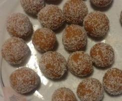"""""""Bacetti (crudisti, Vegan) albicocca e cocco"""" di chef Angelo Domaneschi"""
