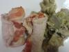 Involtini di tacchino ripieni di speck e formaggio con contorno di carciofi