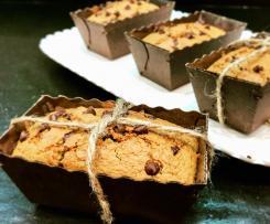 Mini plum-cake ai fiocchi d'avena e arachidi con gocce di cioccolato