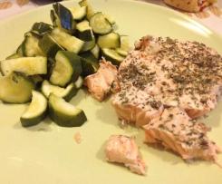 Salmone e zucchine cotte a varoma