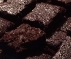 Torta senza glutine al cioccolato e barbabietole