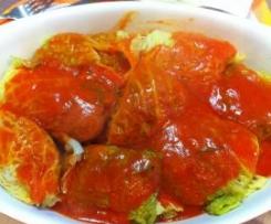 Fagottini di verza ripieni di carne al sugo