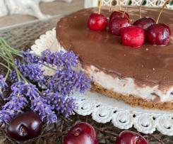 Cheesecake alle ciliegie e cioccolato