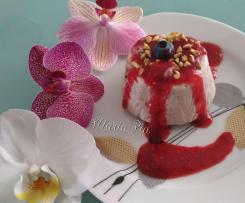 GELATO ALLA RICOTTA CON MIRTILLI E COULIS DI LAMPONI (Contest frutti di bosco gelati )