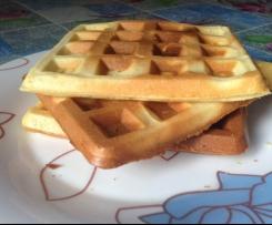 Waffle senza burro. Croccanti fuori soffici dentro!