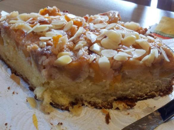 Torta Mandorle Bimby.Torta Rovesciata Allo Yogurt Con Pesche E Mandorle