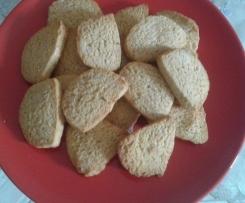 Biscotti croccanti alle nocciole