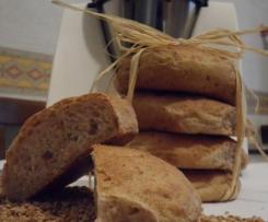 Pane semintegrale con noci e mele
