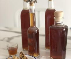 Liquore nespolino (simil amaretto di Saronno)