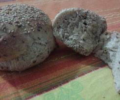 Pane alle 3 farine e semi di lino