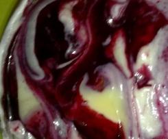 Crema chantilly ai frutti di bosco