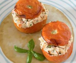 Pomodori ripieni di ricotta e basilico