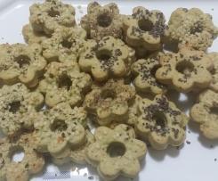 Canestrelli salati al pesto con semi di canapa e semi di chia