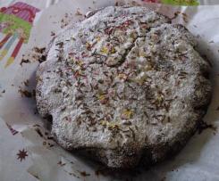 Torta di compleanno al cioccolato fondente anche senza latticini