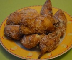 FRITTELLE DI MELE ALL'AMARETTO