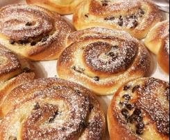 Girelle di Pan brioche alla crema e gocce di cioccolato