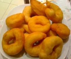 Cullurielli (ciambelline fritte di patate)