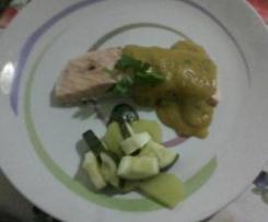 Trancio di salmone al varoma con salsetta di verdure allo zafferano