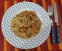Spaghetti integrali veloci alle vongole e pomodorini