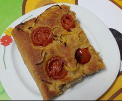 Focaccia integrale pomodorini e cipolle di PIC
