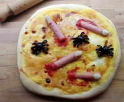Pizza alla crema di zucca e provola affumicata con ragni e dita appena mozzate