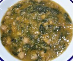 Zuppa zucca, ceci e spinaci