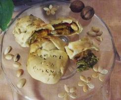 Strudel tonno, peperoni e nocciole su quenelle di guacamole - contest strudel