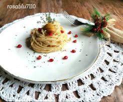 Spaghetti con pesto di Castagne e chicchi di Melograno