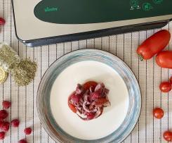 Totani sottovuoto con pomodori e lamponi