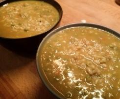 Zuppa di Riso integrale con curry, spezie e piselli