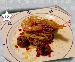 Trenette con salsa di melograno e gamberoni - Natale